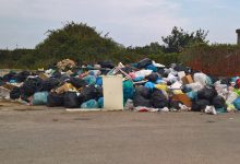 Siracusa | Le contrade di periferia invase dai rifiuti, la denuncia di tre consiglieri comunali