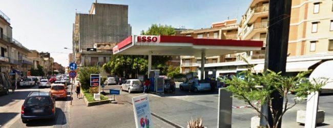 Lentini | Ferita da un colpo di pistola mentre faceva benzina, arrestato il responsabile