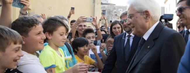 Siracusa  Visita Mattarella in sordina, solo sorrisi di bimbi
