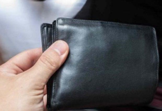 Noto| Alla festa di S. Isidoro giovani rubano portafoglio