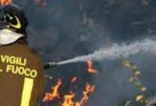 Siracusa| Fontane Bianche, brucia una villetta disabitata