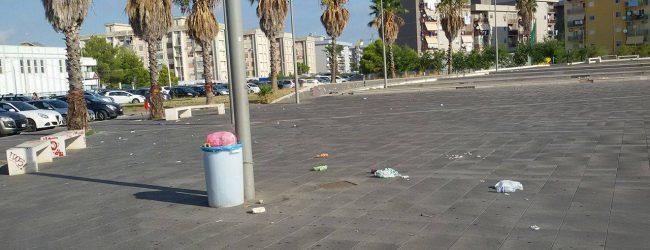 "Augusta| Piazza Unità d'Italia panchina ""sradicata"" responsabili inchiodati dai social"