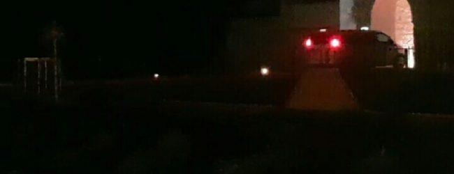 Siracusa| Piazza d'Arme, auto sul ponticello del Maniace!