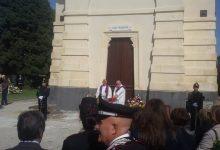 Augusta  Il cimitero ha accolto i visitatori: chiesa ancora chiusa.
