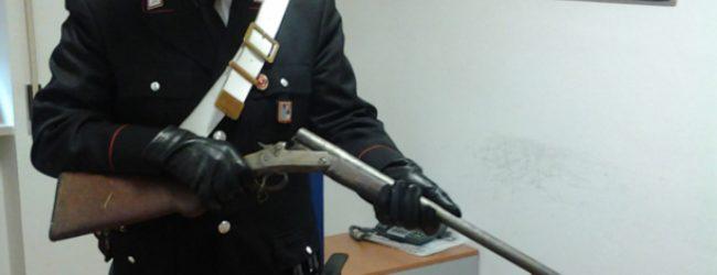 Rosolini| Trovato in casa con fucile e munizioni