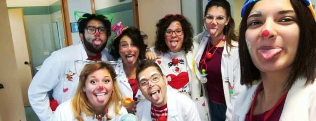 Lentini | «Natale all'ospedale», letture creative e clown terapy per allietare bambini e adulti