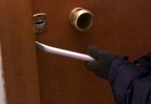 Lentini   Evade dai domiciliari e tenta un furto in appartamento, poi ingaggia una mega rissa