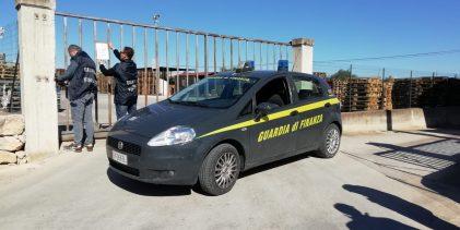 Rosolini| La Guardia di Finanza sequestra un'azienda abusiva di pallet