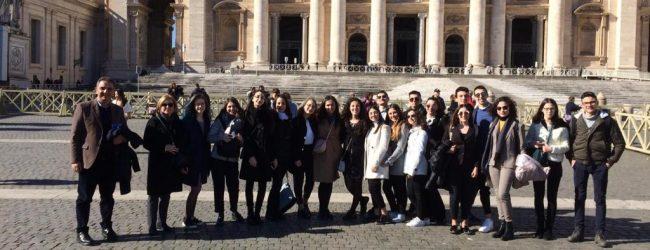 Augusta  A scuola di democrazia: i liceali del Mègara a Montecitorio e al Quirinale.