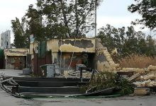 Augusta| Maltempo: cede muro: palo, copertura, porta e cartelloni divelti.