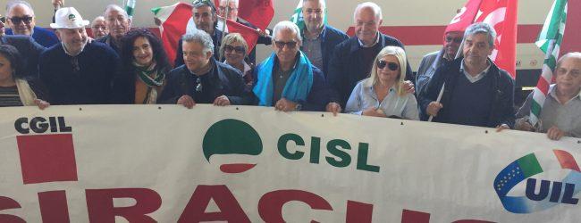 Siracusa| Treni e infrastrutture a rilento, manifestazione di Cgil, Cisl e Uil alla stazione