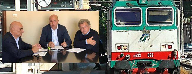 Siracusa| Trasporto ferroviario: Siracusa-Ragusa in tre ore. I sindacati protestano viaggiando in treno