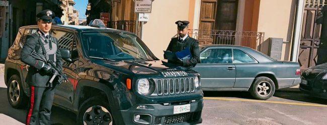 Francofonte | Afferra il cellulare di un giovane e strattona lui e la madre, 35enne in manette per rapina