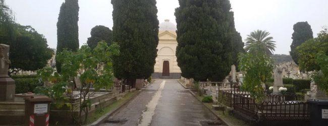 Augusta| Cimitero ripulito e dotato di 400 secchielli aperto l'1 e il 2 novembre