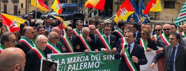 """Palermo  Ex Province. 150 amministratori in piazza alla """"Marcia su Palermo"""""""