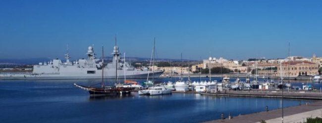 Siracusa| Fregata Grecale e Cacciamine Crotone, Alghero e Termoli in sosta al Porto Grande