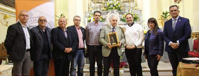 """Augusta  Consegnato il premio """"Giglio d'Argento""""a Eugenio Magnano di San Lio."""