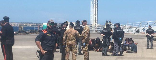 Augusta  Al pontile Nato della Marina militare sono sbarcati 36 migranti.