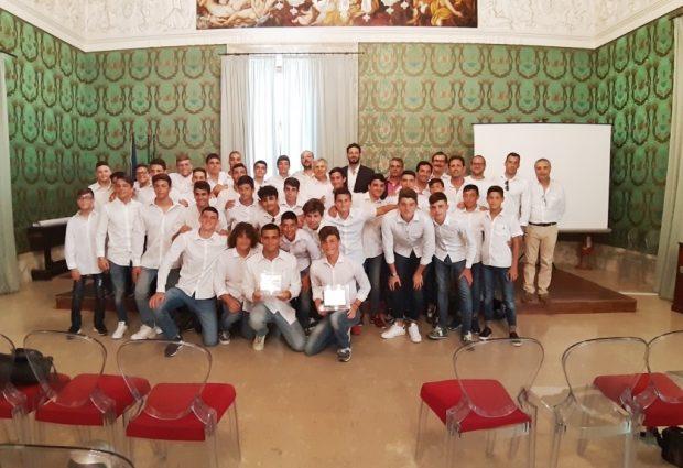 Siracusa| Sikelia under 17/b e under 15/b campioni regionali: Premiati dal sindaco Italia