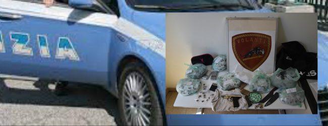 Siracusa  Rinvenuti e sequestrati armi e droga in un sottoscala di un abitazione