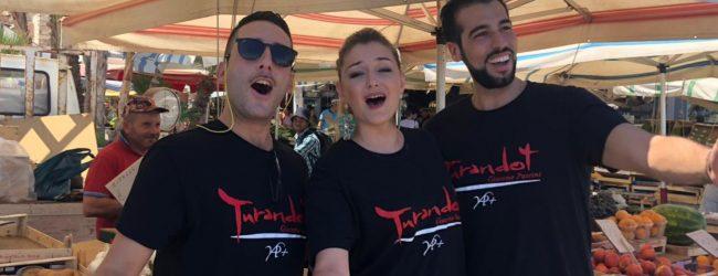 Siracusa| Ortigia, Aspettando Turandot si fa lirica in risciò<span class='video_title_tag'> -Video</span>