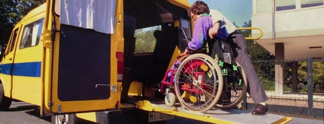 Siracusa| Asacom, firmato il contratto di trasporto e assistenza agli studenti disabili