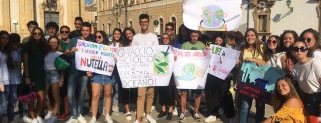 Augusta| Per il clima: studenti in piazza e flash mob e intervista a cura della Principe
