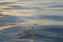 Augusta| Sostanze oleose nello specchio acqueo del pontile Nato della Marina militare