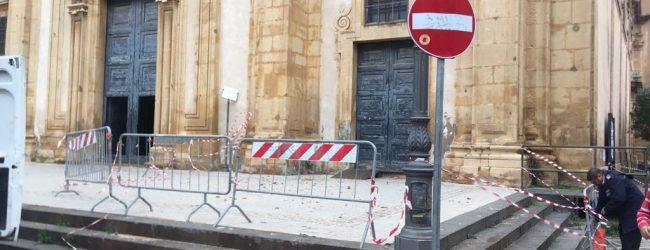 Augusta| Crolla un pezzo di cornice della chiesa Madre. Il parroco sollecita sopralluoghi