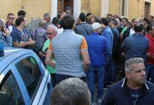 Lentini | Prende a pugni un'auto della Polizia, denunciato un 57enne