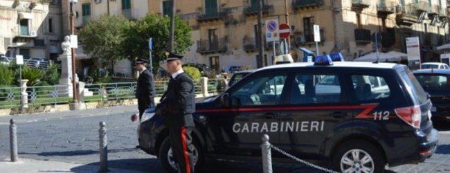 Noto| Fugge all'alt dei carabinieri e si rifugia in casa della sorella