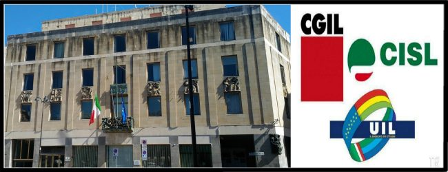 Siracusa| Sit in di protesta alla Prefettura per i lavoratori dell'ex Cambia