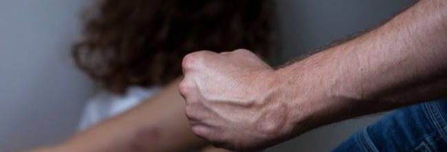 Augusta| Marito violento arrestato dai carabinieri: picchiava la moglie con calci e pugni