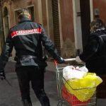 Augusta| Carabinieri in aiuto di un'anziana che stava rientrando a casa con la spesa