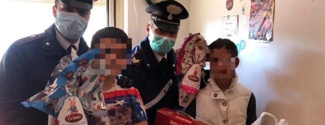 Siracusa| Senza cibo da diversi giorni, i carabinieri consegnano la spesa a una famiglia