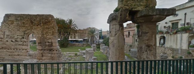 Siracusa| Magliette con scritte razziste davanti al tempio d'Apollo