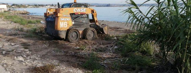 Siracusa| Avviata attività di pulizia lungo la costa aretusea