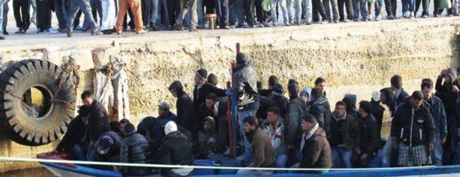 Lampedusa| Arrestati quattro tunisini sbarcati illegalmente sulle coste siciliane