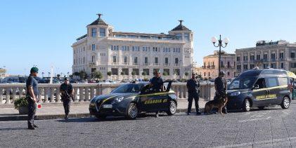 Siracusa  Sorpreso a rubare un'autovettura in sosta