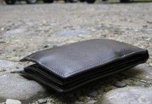 Siracusa| Grazie ai social, la polizia municipale riconsegna portafogli smarrito da un cittadino maltese