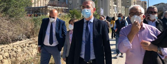 Augusta| L'assessore Falcone inaugura l'avvio dei lavori nei 90 alloggi della Scardina