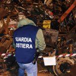 Augusta | Rottami ferrosi pronti per essere imbarcati al porto: sequestro penale e denuncia