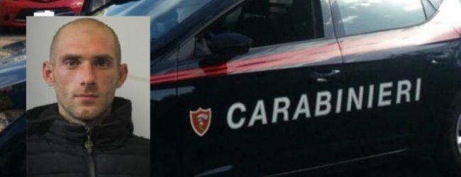 Siracusa | Sfonda la porta di casa della sua ex compagna, arrestato un 29enne