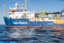 Augusta | In porto è arrivata la Sea Watch 3 con 363 migranti