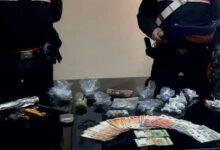 Siracusa | Arrestato incensurato con circa 200 grammi di hashish, marijuana e denaro