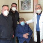 Carlentini | Cirino La Ferla, 101 anni domenica: vaccinato a casa dal personale dell'Asp