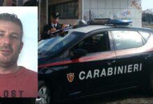 Priolo Gargallo | Un uomo di 44 anni aggredisce la sorella e sferra calci contro i carabinieri