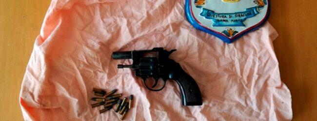 Siracusa | Deteneva illegalmente un revolver e 14 cartucce: arrestato 24enne