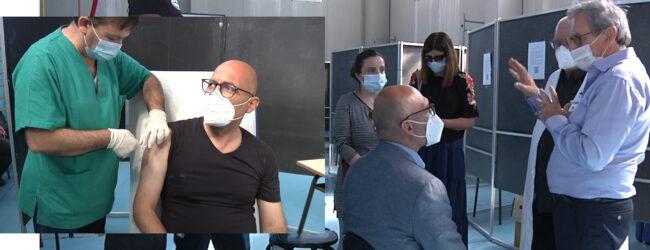 Augusta | Prima dose del vaccino anti -Covid per il sindaco Di Mare. L'ha ricevuta stamattina al Polivalente