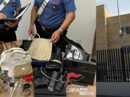 Augusta | Ruba in un appartamento: arrestato dai Carabinieri